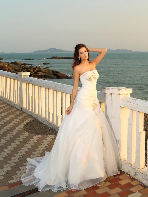 Robe de bal Sans bretelles Fleurs faites à la main Sans Manches Longue Satin Plage Robes de Mariée