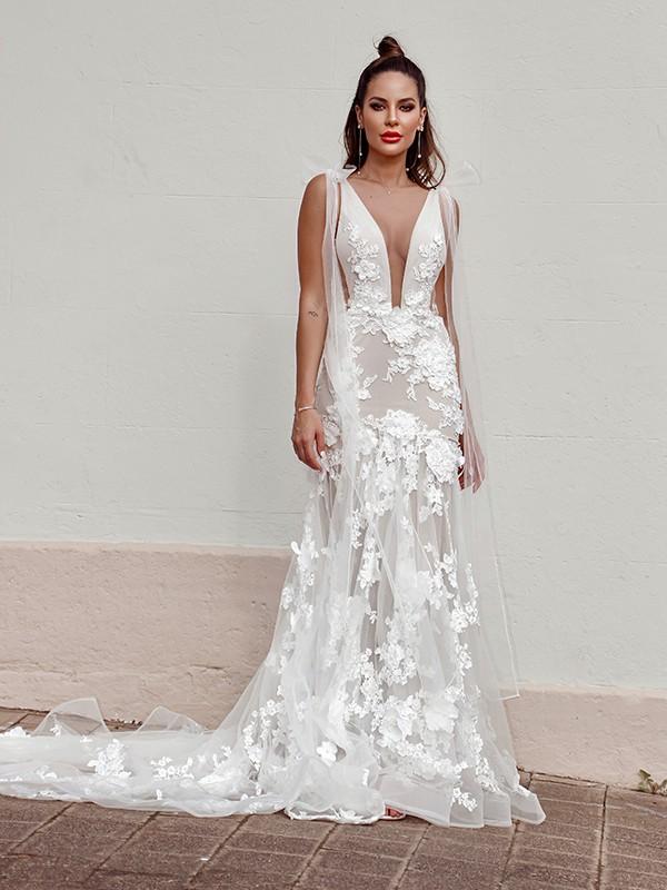 Fourreau Tulle Appliqués Sans Manches Col en V Traîne courte Robes de mariée
