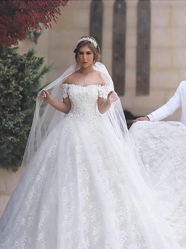 Robe de bal Épaules dégagées Dentelle Manches courtes Tulle Traîne moyenne Robes de Mariée