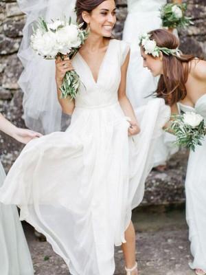 Trapèze/Princesse Col en V Sans Manches Longueur ras du sol Volants Mousseline Robes de Mariée