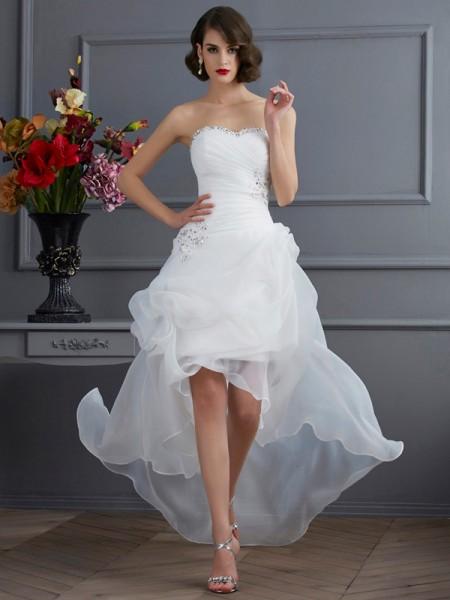 Trapèze/Princesse Col en coeur Sans Manches Perles Traîne asymétrique Organza Robes de Mariée