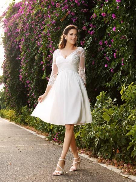 Trapèze/Princesse Col en V Manches ¾ Court Mousseline Robes de Mariée