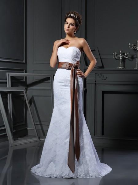 Fourreau Col en coeur Appliqués Sans Manches Longue Voile Robes de Mariée