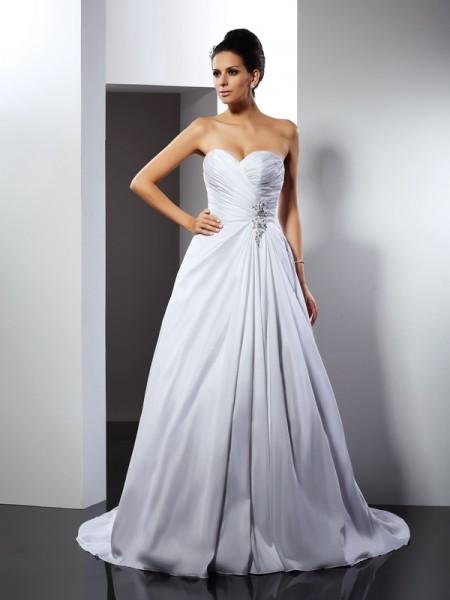 Trapèze/Princesse Col en coeur Volants Sans Manches Traîne moyenne Satin Robes de Mariée