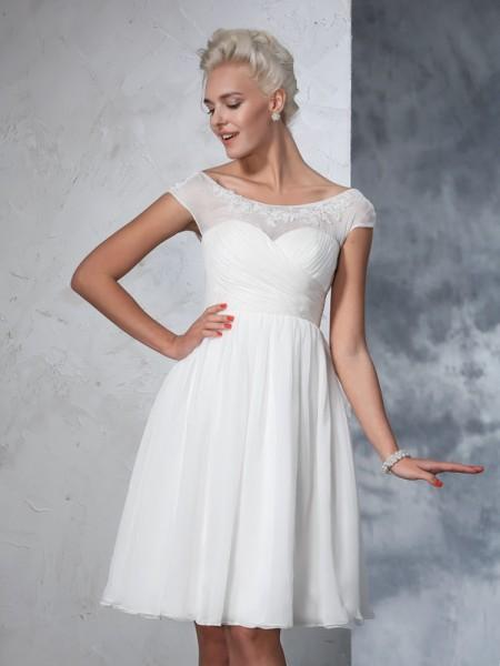 Trapèze/Princesse Sheer Neck Froncée Manches courtes Court Mousseline Robes de Mariée
