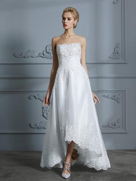 Trapèze/Princesse Col en coeur Sans Manches Perles Traîne asymétrique Tulle Robes de Mariée