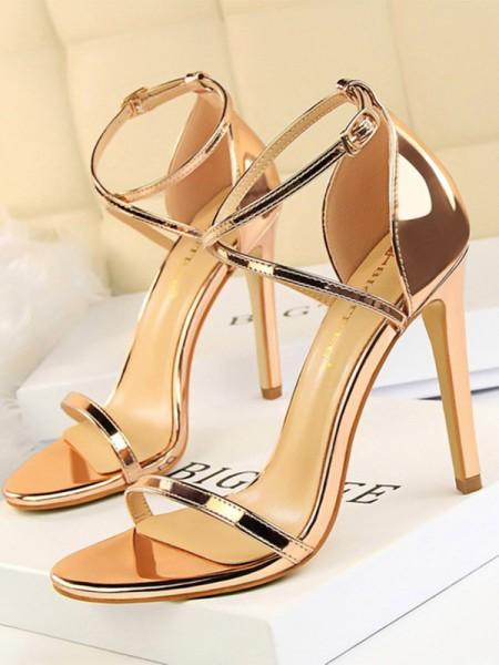 Aux Femmes Patent Leather Stiletto Heel Peep Toe Des sandales