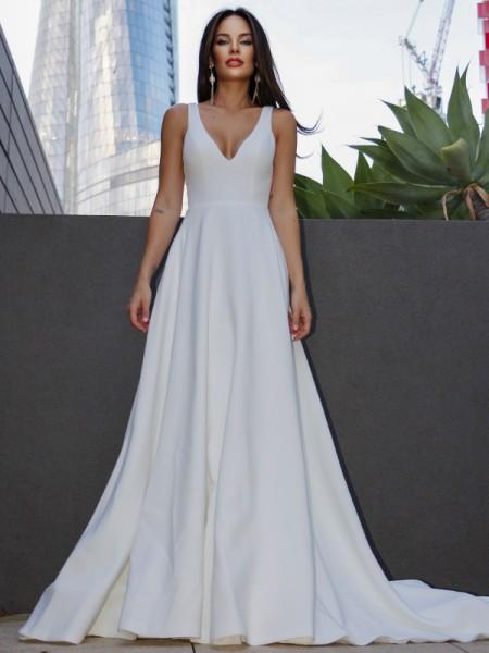 Trapèze/Principessa Satiné Volants Col en V Sans Manches Traîne courte Robes de mariée