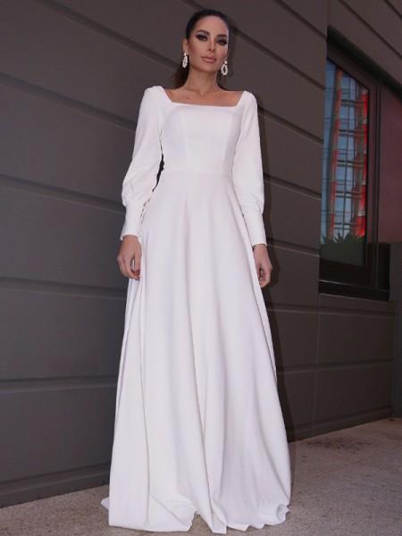 Trapèze/Principessa Stretch Crepe Volants Longue Manches Col carré Traîne courte Robes de mariée