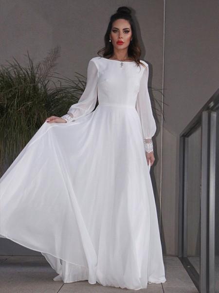 Trapèze/Principessa Mousseline Volants Longue Manches Col plongueeant Traîne courte Robes de mariée