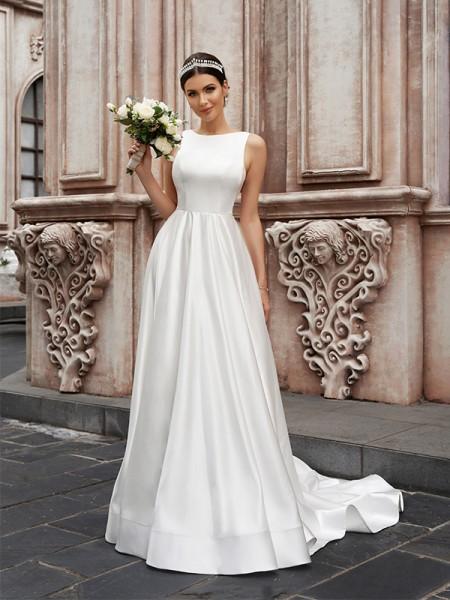 Trapèze/Principessa Satiné Sans Manches Col plongueeant Volants Traîne courte Robes de mariée