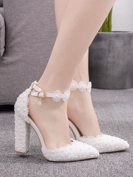 Aux Femmes PU Closed Toe With Flower Chunky Heel Talons hauts
