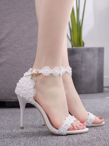 Aux Femmes PU Peep Toe With Flower Stiletto Heel Des sandales