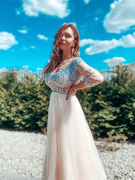 Trapèze/Principessa Perles Tulle Longueur ras du sol Col en V Longue Manches Robes