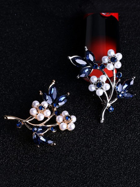Flower Shaped Alliage With Faux diamants Ladies' Broche