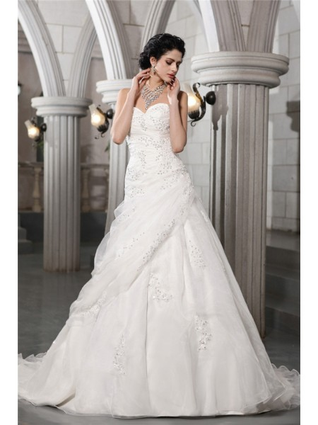 Trapèze/Princesse Col en coeur Sans Manches Perles Appliqués Longue Organza Robe de mariée
