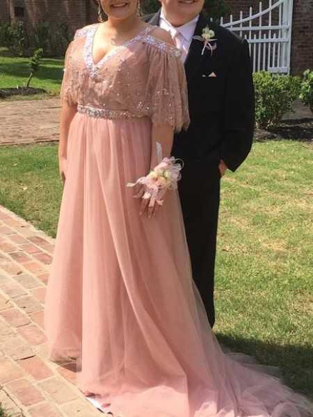 Trapèze/Princesse Col en V Manches ½ Perles Traîne moyenne Tulle Grande taille Robes