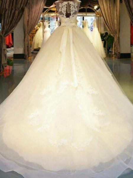 Robe de bal Sans Manches Épaules dégagées Traîne courte Rubans/Ceintures Perles Appliqués Dentelle Robes de Mariée