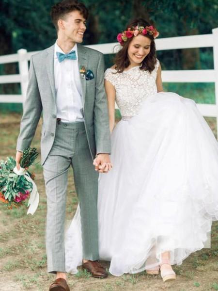 Robe de bal Col bateau Tulle Perles Sans Manches Traîne moyenne Robes de Mariée