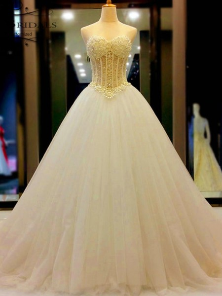 Robe de bal Col en coeur Tulle Perles Traîne moyenne Sans Manches Robes de Mariée