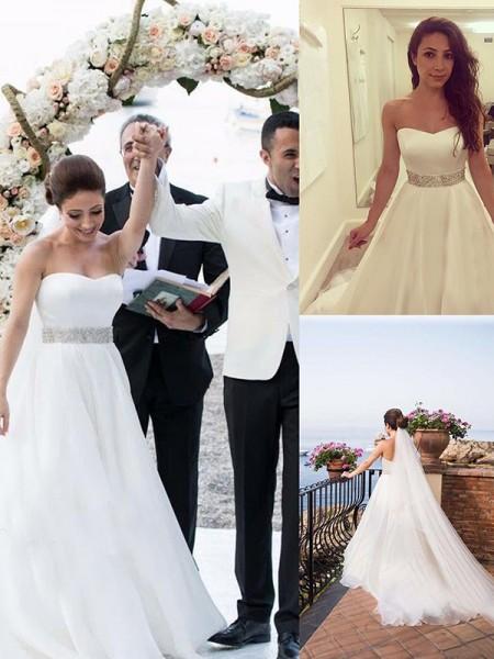 Trapèze/Princesse Col en coeur Sans Manches Perles Tulle Traîne courte Robes de Mariée