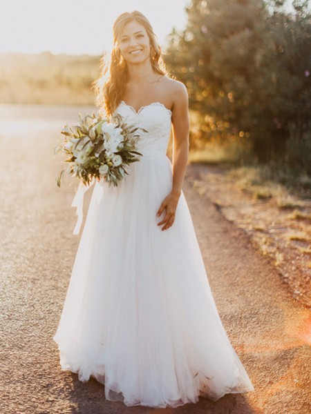 Trapèze/Princesse Col en coeur Tulle Froncée Sans Manches Longueur ras du sol Robes de Mariée