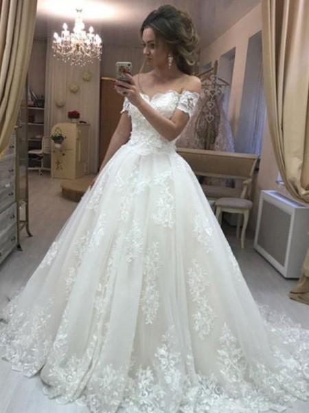 Trapèze/Princesse Épaules dégagées Sans Manches Traîne courte Appliqués Tulle Robes de Mariée