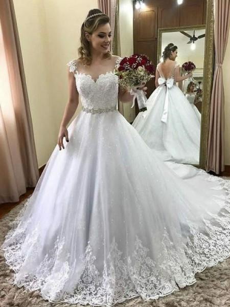 Robe de bal Col en coeur Sans Manches Traîne moyenne Perles Tulle Robes de Mariée