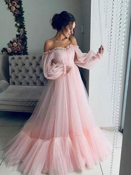 Trapèze/Princess Tulle Appliqués Épaules dégagées Longue Sleeves Traîne courte Dresses