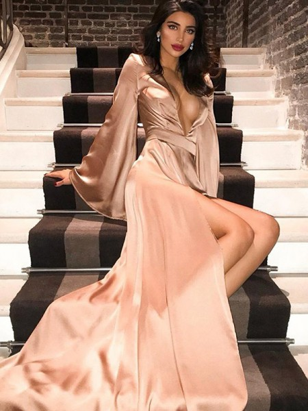 Trapèze/Princess Col en V Silkesateng Longue Sleeves Traîne courte Froncée Dresses
