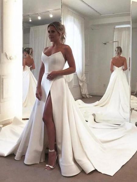 A-ligne / Princesse Sans Manches Volants Chérie Stretch Crepe Traîne Tribunal Robes de mariée
