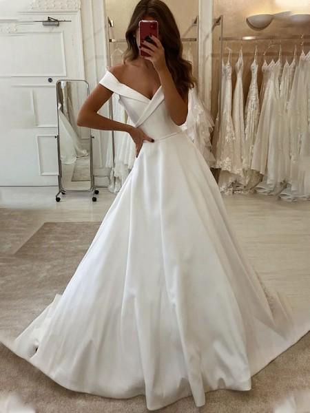 Trapèze/Princess Satiné Volants Épaules dégagées Sans Manches Traîne courte Robes de mariée