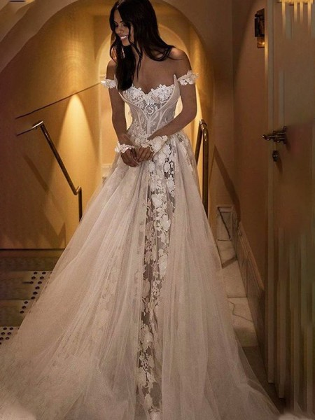 Trapèze/Princess Appliqués Épaules dégagées Tulle Traîne courte Sans Manches Robes de mariée