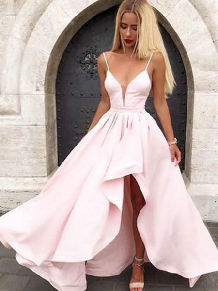Trapèze/Princess Sans Manches Col en V Volants Satiné Traîne asymétrique Dresses