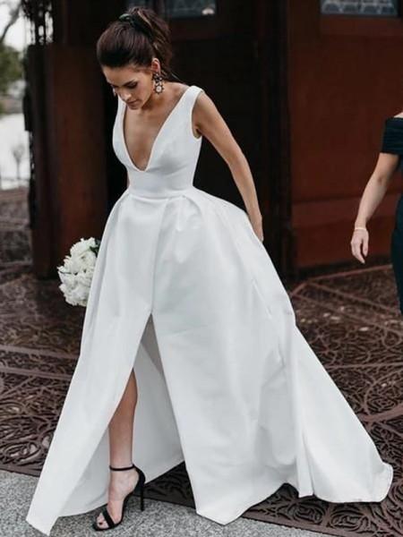 Trapèze/Principessa Sans Manches Satiné Volants Col en V Longueur ras du sol Robes de mariée