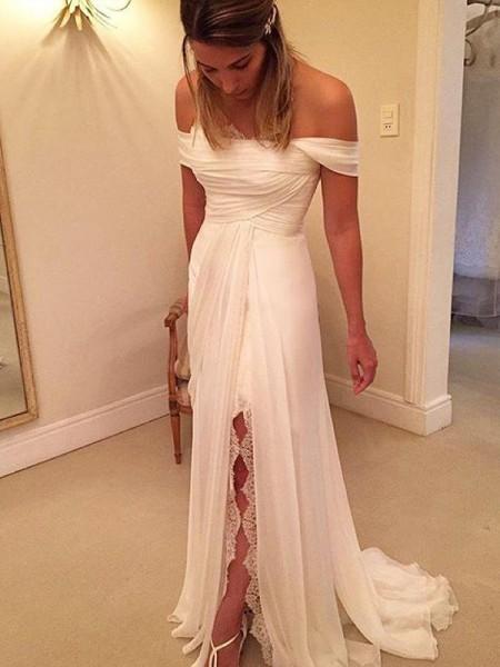 Trapèze/Princesse Traîne courte Épaules dégagées Sans Manches Volants Mousseline Robes de Mariée