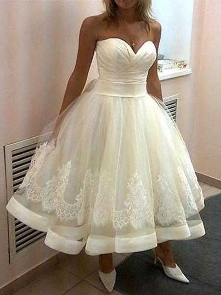 Robe de bal Appliqués Col en coeur Tulle Sans Manches Longueur mollet Robes de Mariée
