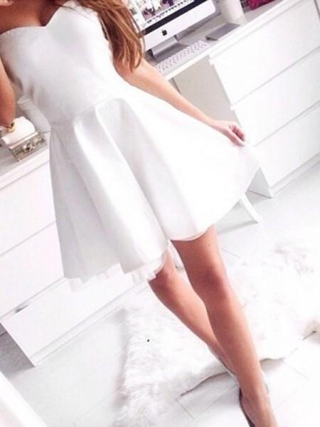 Trapèze/Princesse Sans Manches Col en coeur Courte/Mini Satin Robes