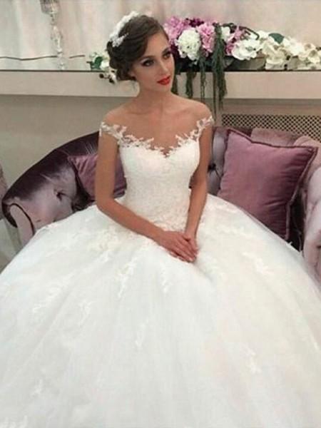 Robe de bal Épaules dégagées Traîne moyenne Tulle Sans Manches Robes de Mariée