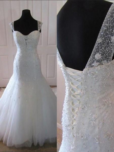 Sirène/Trompette Tulle Sans Manches Traîne moyenne Avec bretelles Robes de Mariée