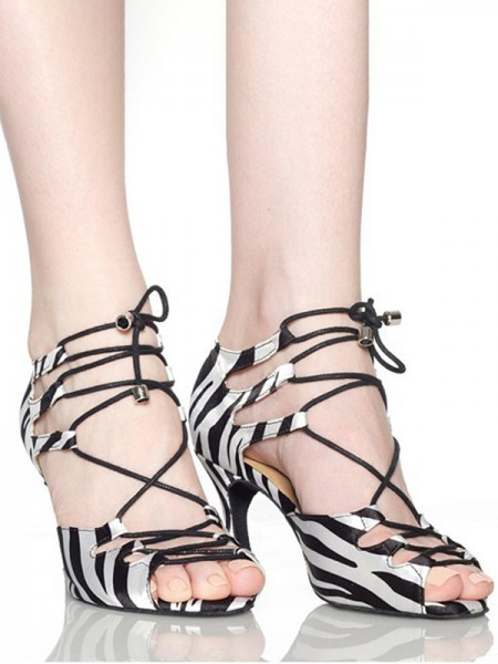 Aux Femmes Autre Peep Toe With Dentelle-up Stiletto Heel Des sandales