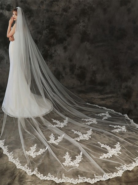 Beautiful Tulle One-Tier Cathedral De mariée Voiles With Appliqués
