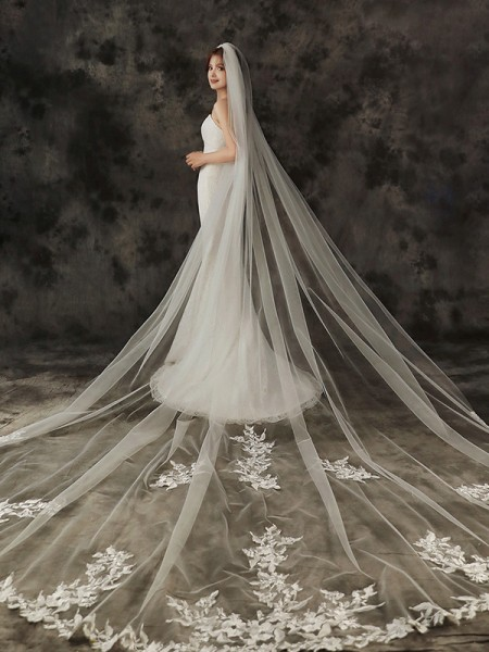 Gorgeous Tulle One-Tier Cathedral De mariée Voiles With Appliqués