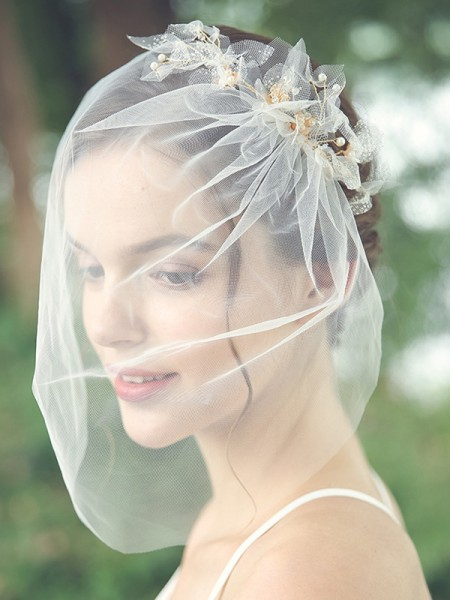 Beautiful Tulle One-Tier Birdcage Voiles With Perles