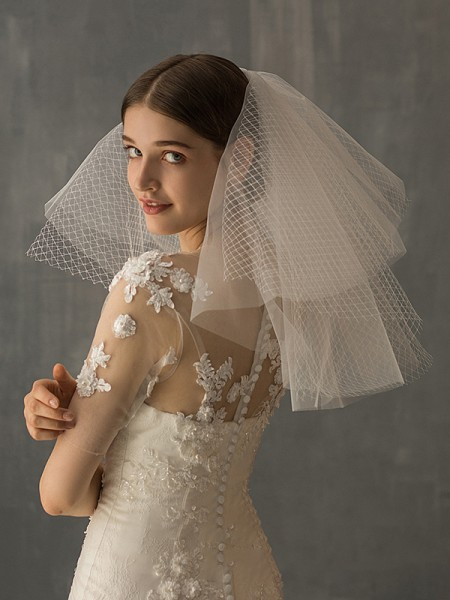Élégant Tulle Two-Tier Shoulder Voiles