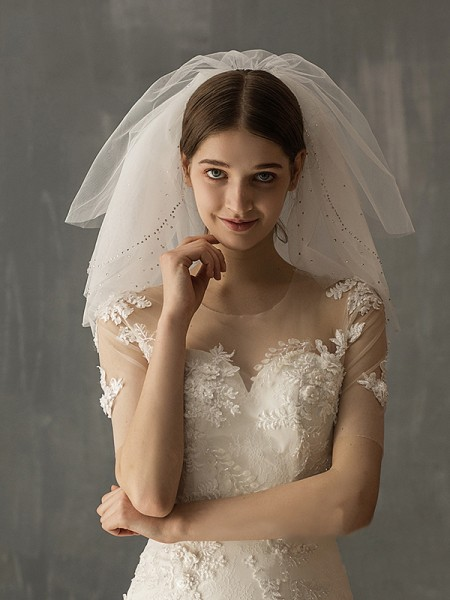 Attractive Tulle Two-Tier Shoulder Voiles With Paillette