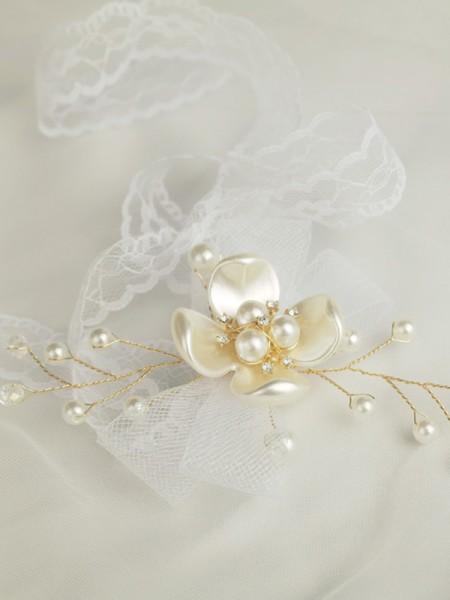 Magnifique Hand-tied Imitation Pearl Poignet Corsage